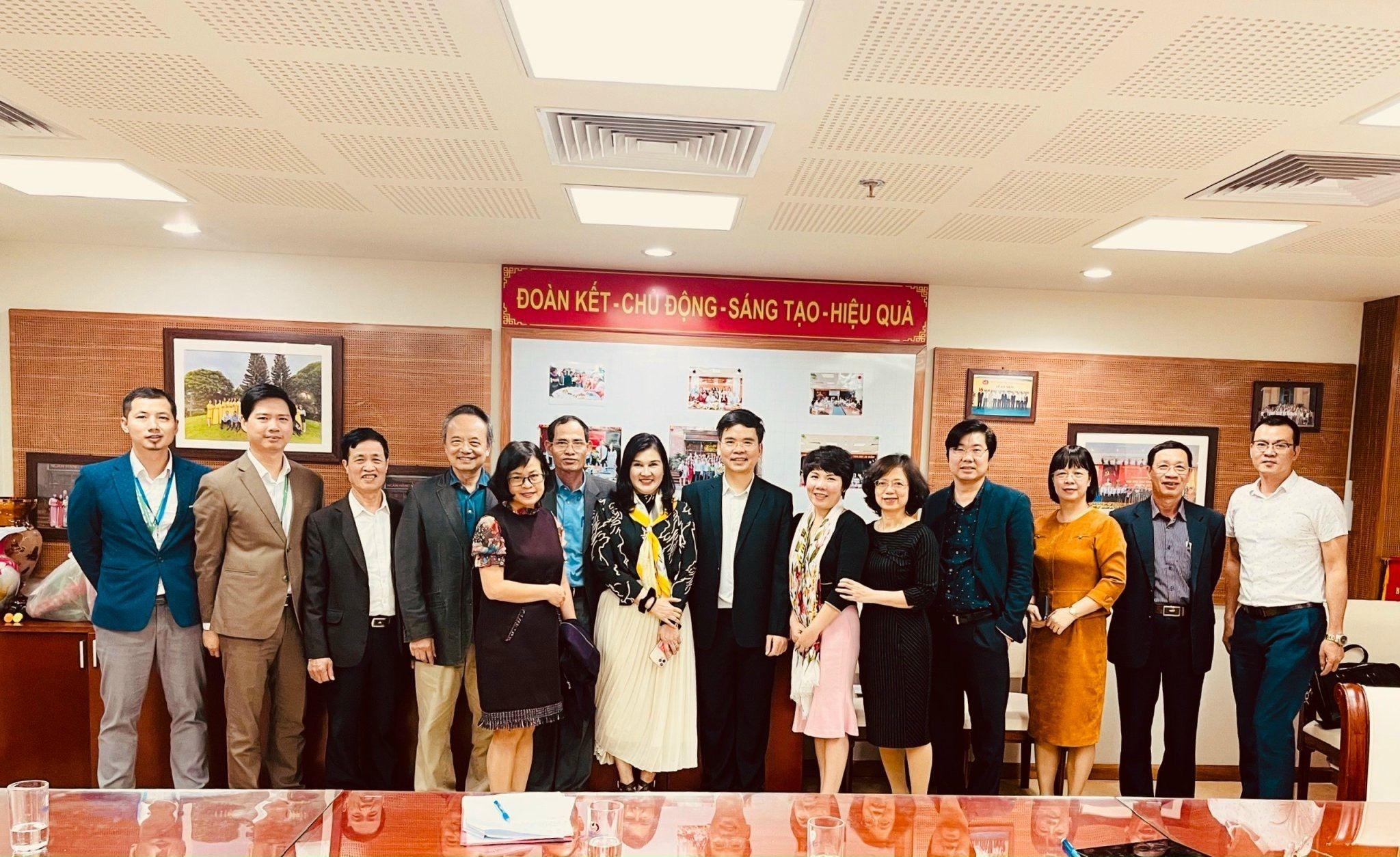 Lãnh đạo Hiệp Hội Doanh nghiệp Hàng không Việt Nam làm việc với đại diện Ngân hàng Nhà nước Việt Nam