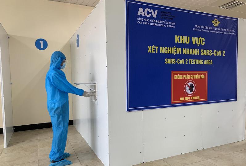 Cảng HKQT Cam Ranh tổ chức dịch vụ xét nghiệm nhanh Covid-19 cho hành khách